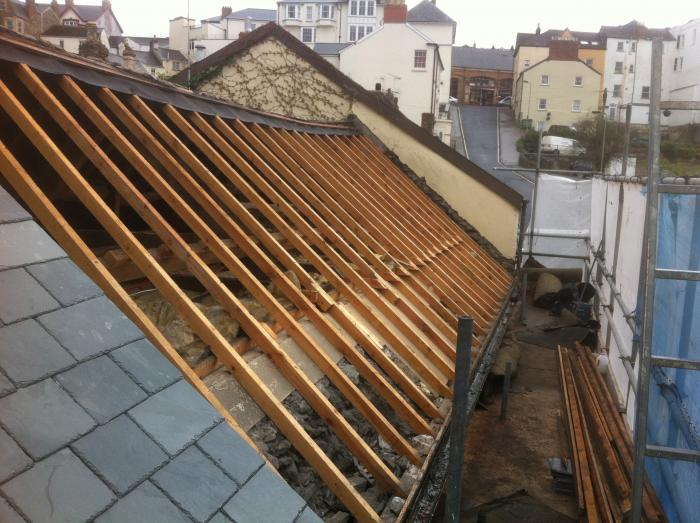 Roof no2 stripped